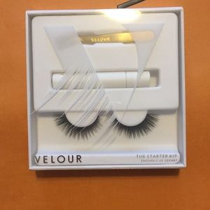 Velour lashes stater kit in Momma knows best